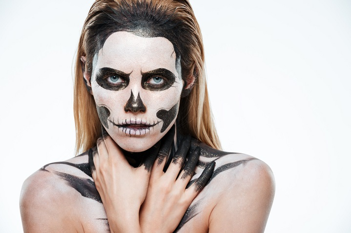 Halloween make-up and contact lenses