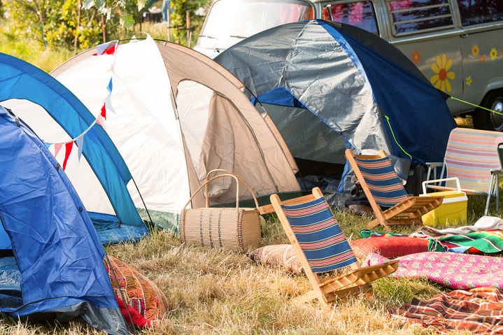 apply your contact lenses inside your tent