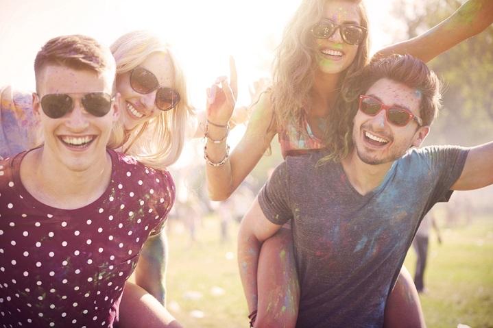 wear sunglasses in the sun