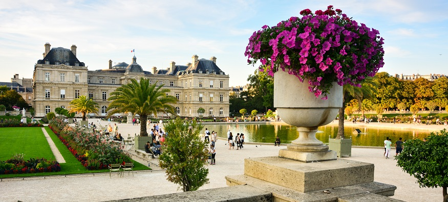 Jardin Du Luxembourg park in Paris